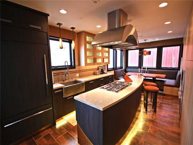 Kitchen in 654 Woodside