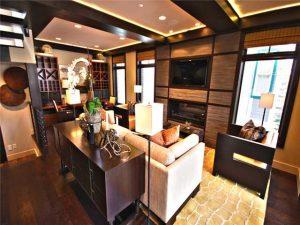 Living Room 654 Woodside Ave