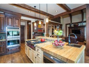 Beautiful kitchen in Red Ledges
